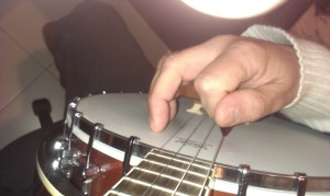 2015-01-12b fourth string- fingers extended